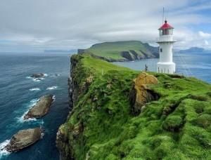 Fototapet far pe o insulă mică, verde - 13020
